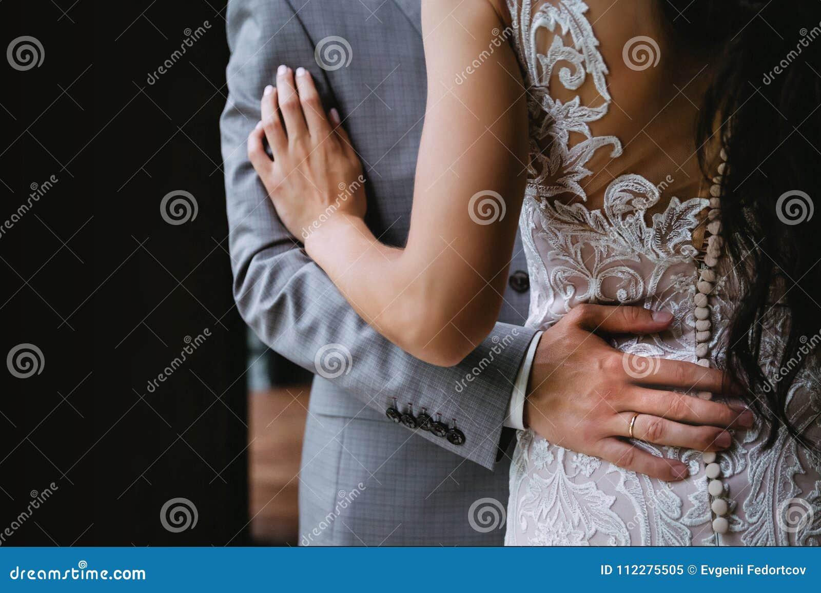 Persone appena sposate, prima delle nozze