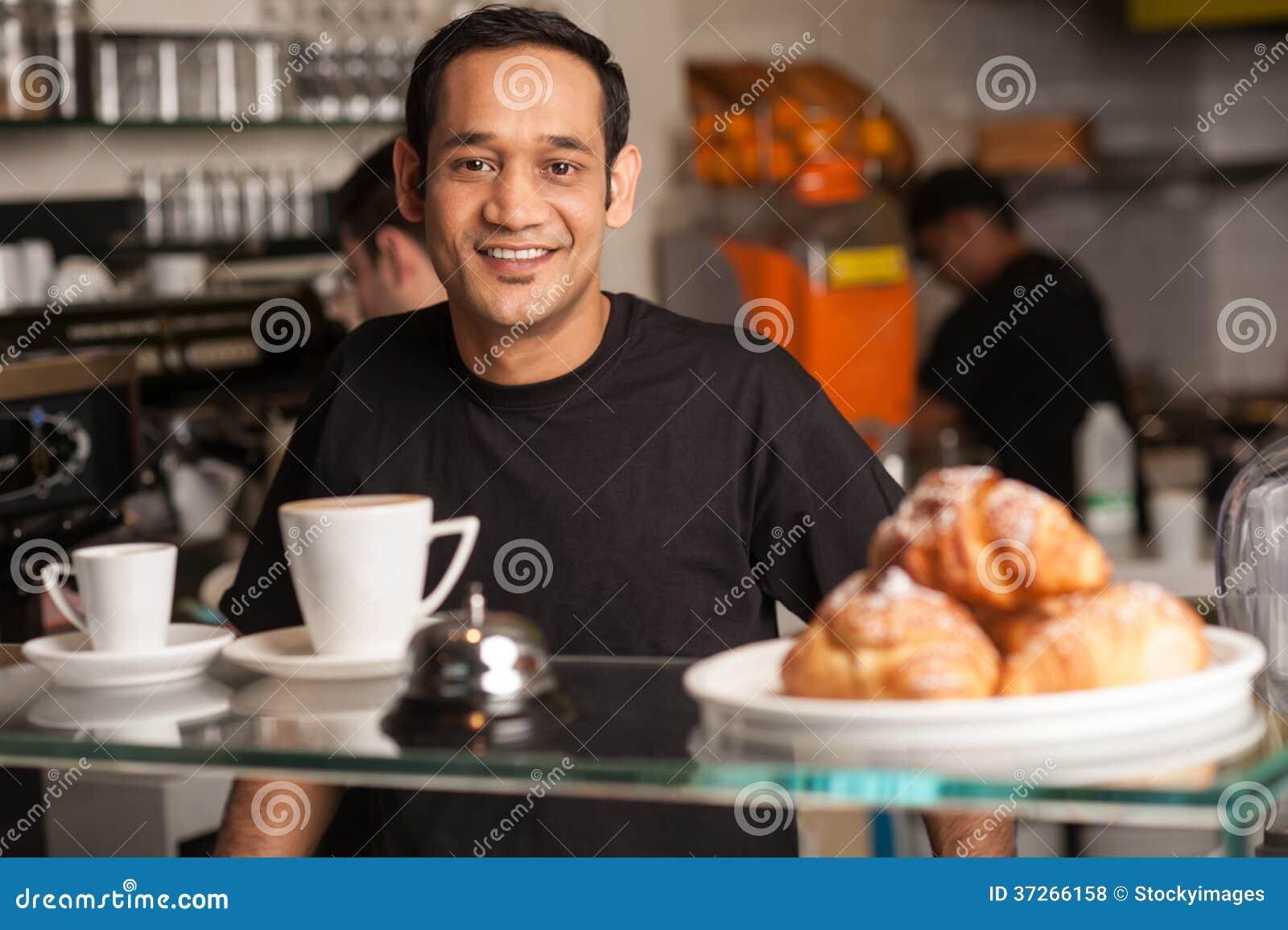 personnel actif dans la cuisine de restaurant photos libres de droits image 37266158. Black Bedroom Furniture Sets. Home Design Ideas