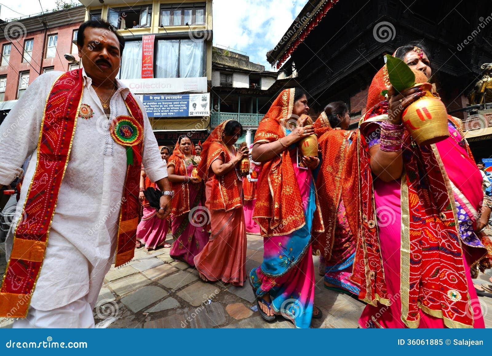 Personnes népalaises célébrant le festival de Dasain à Katmandou, Ne