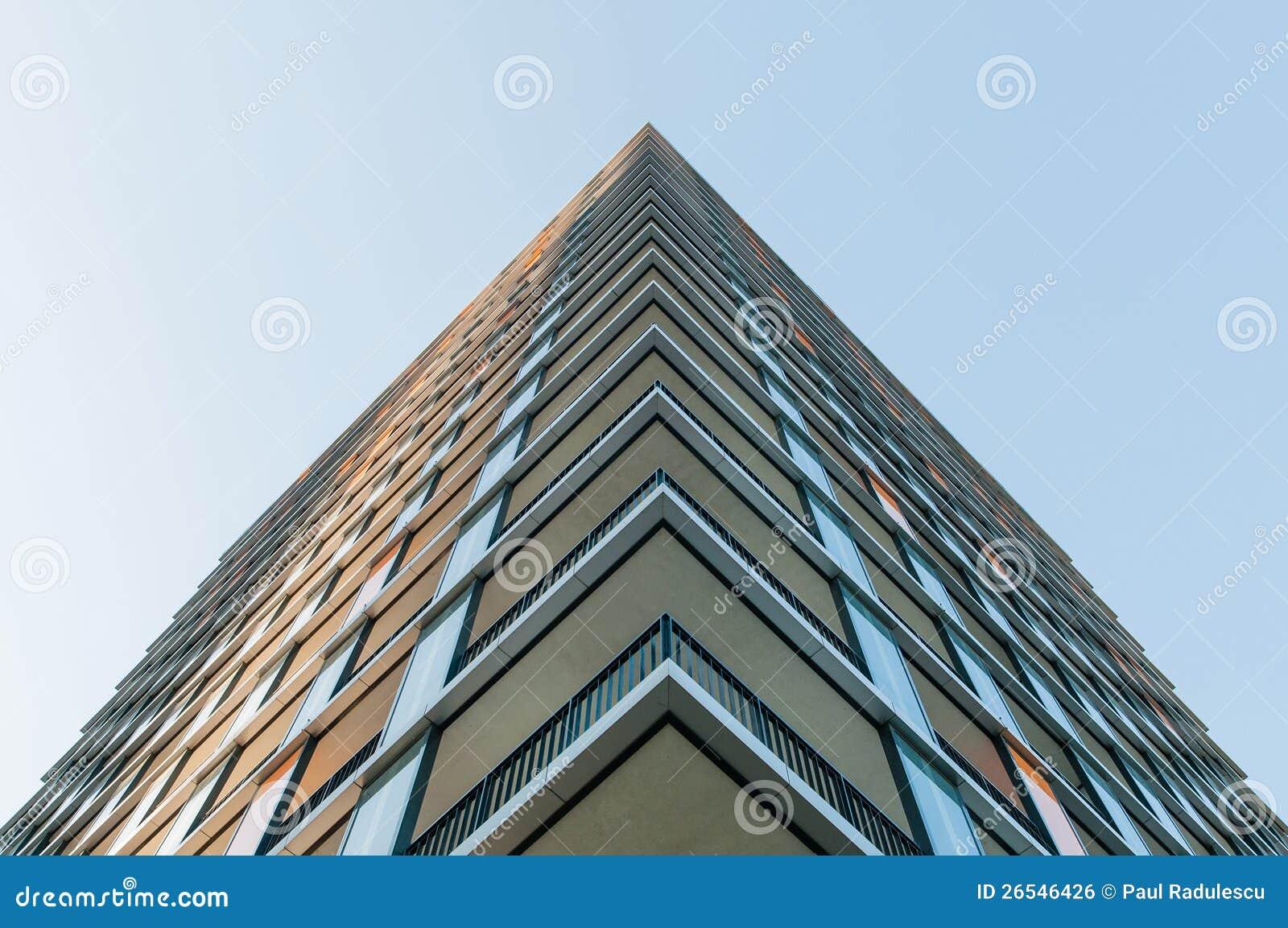 Perspectief van een nieuw modern gebouw royalty vrije stock afbeelding afbeelding 26546426 - Eigentijds gebouw ...