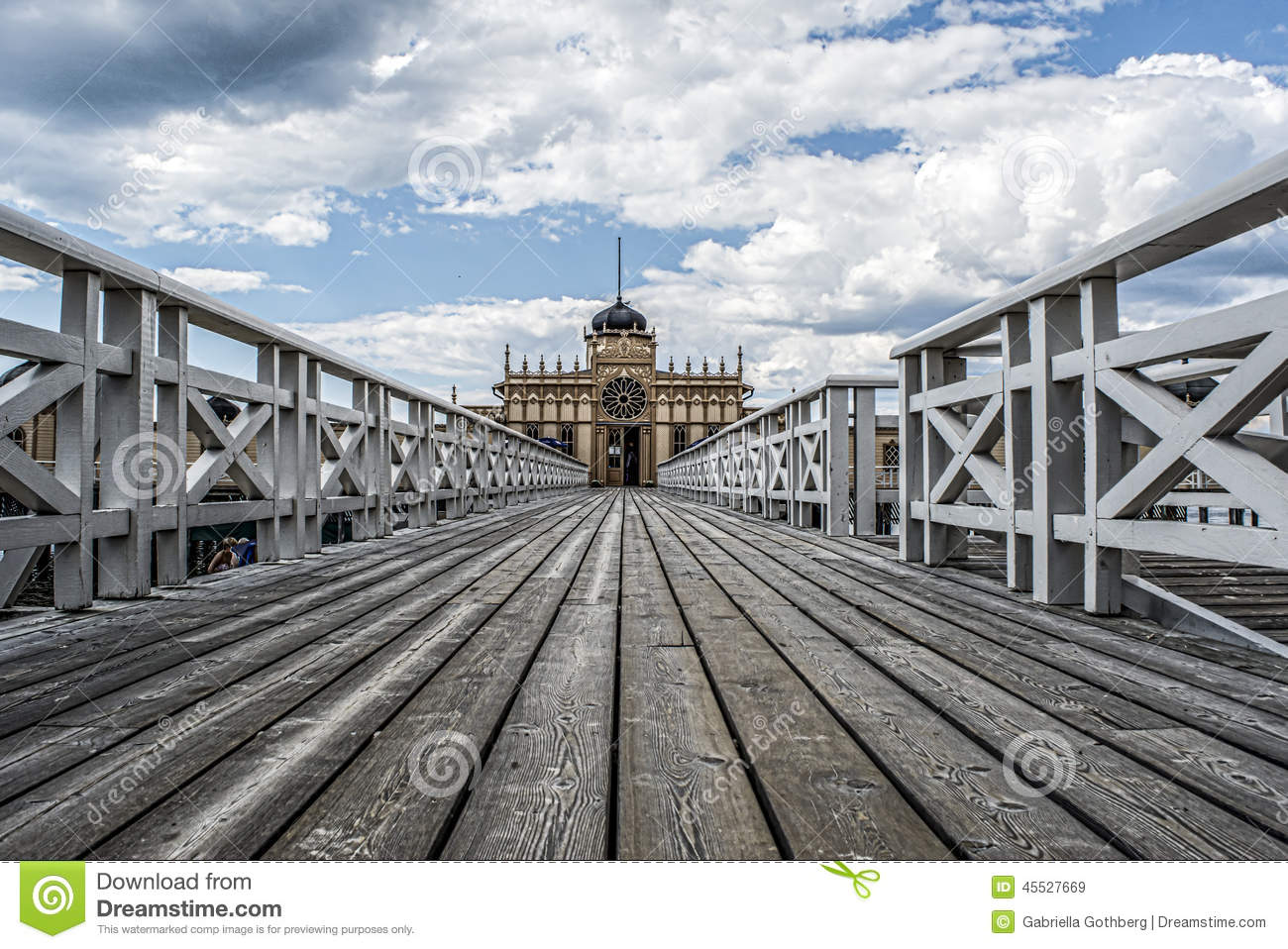 Perspective of old outdoor bathhouse stock photo image for Exterior 2 point perspective