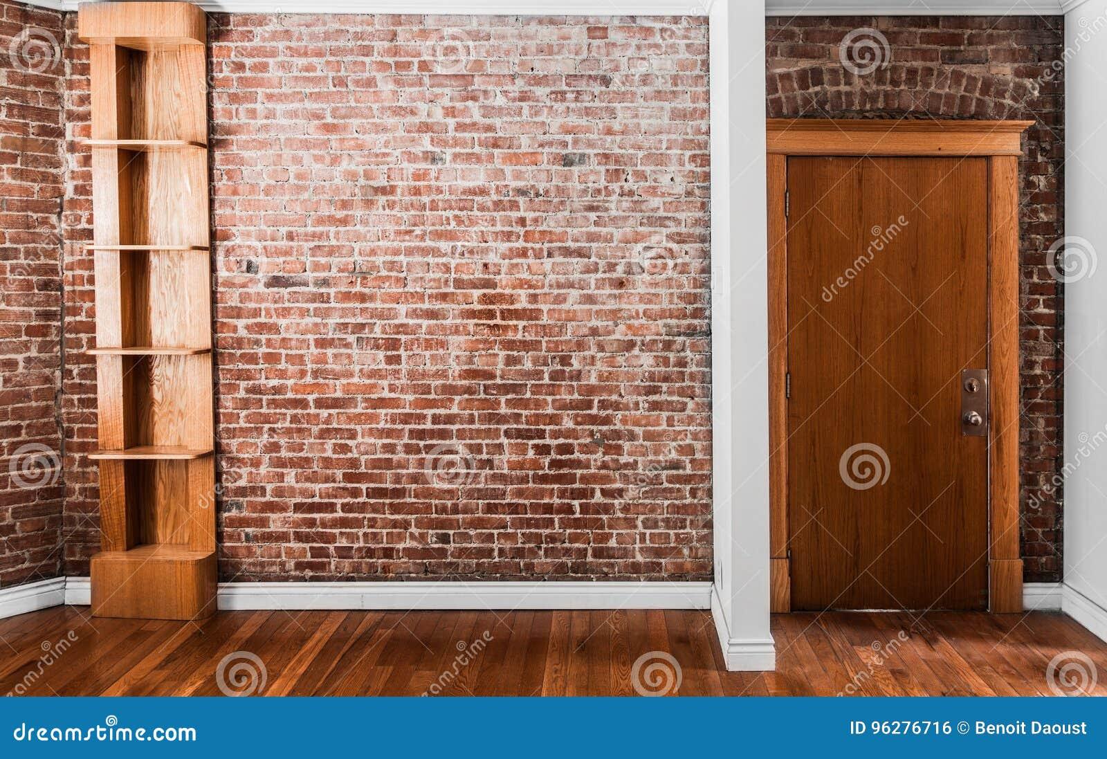 Etagere Sur Mur En Brique perspective plate et étagère de mur de briques photo stock