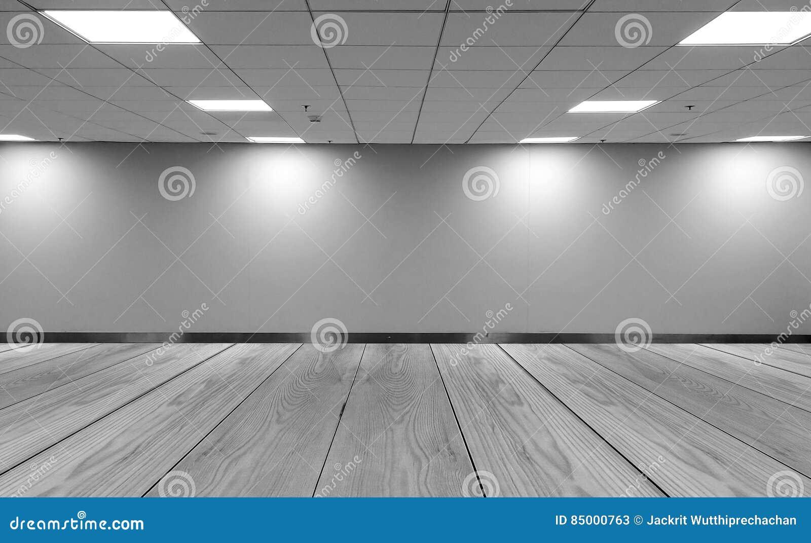 Perspektivenansicht leerer Raum-monotoner schwarzer weißer Büro-Raum mit Licht-Lampen-und Licht-Schatten der Reihen-Decken-LED au
