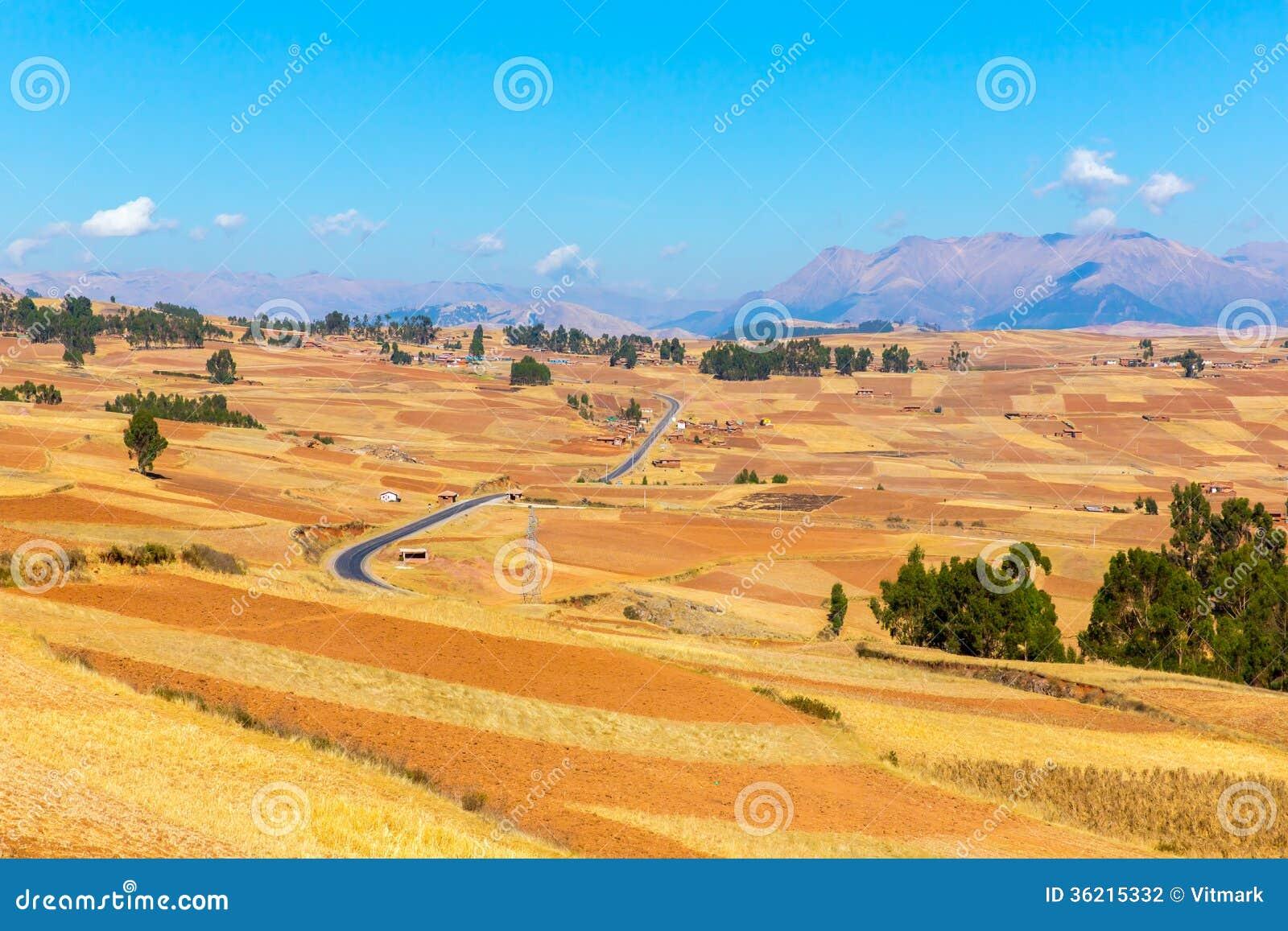 Peru Ollantaytambo-Inca fördärvar av den sakrala dalen i Anderna berg, Sydamerika.