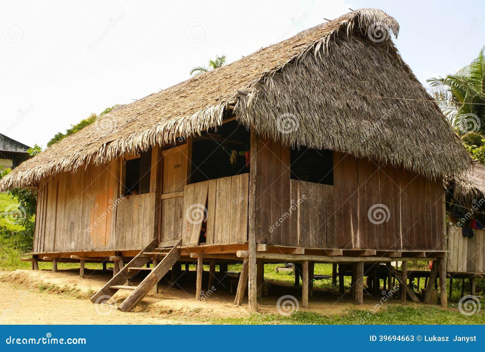 Peru, paisagem peruana de Amazonas. O presente da foto típico dentro