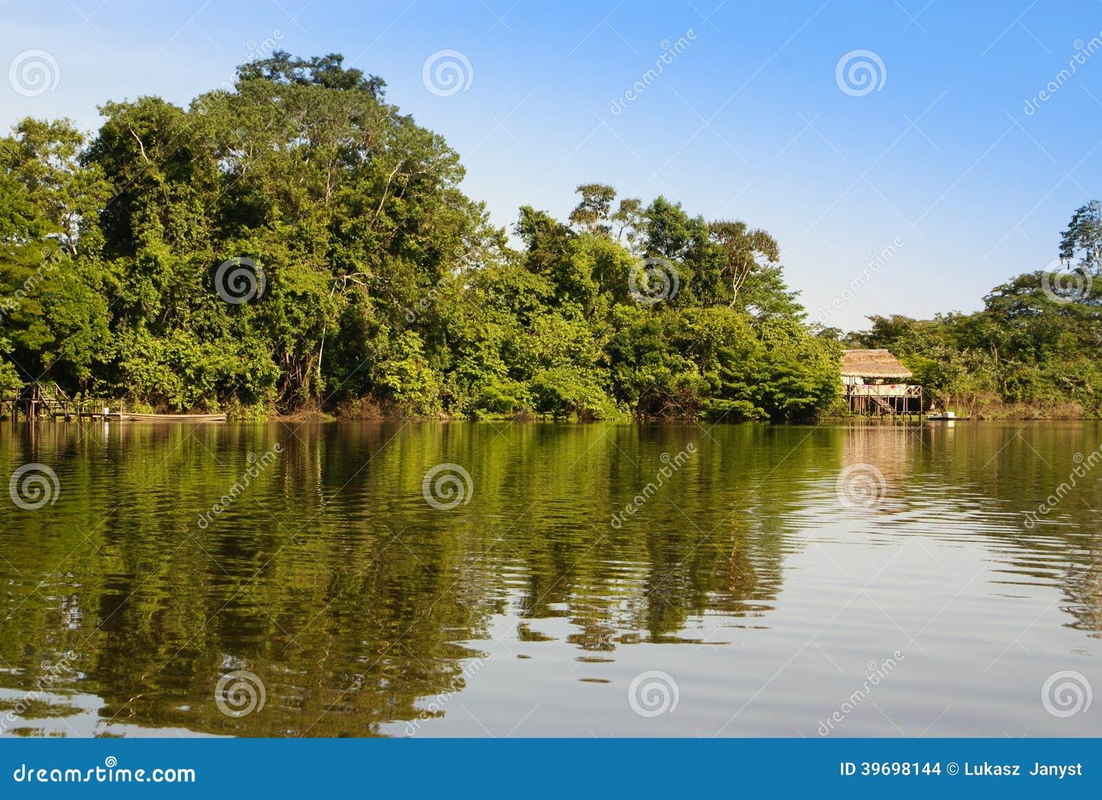 Peru, Peruwiański Amazonas krajobraz. Fotografii teraźniejszość typowy ind