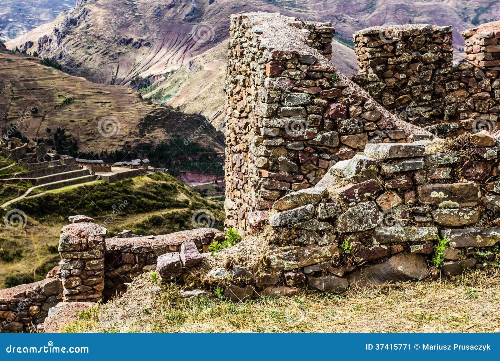 Peru, Pisac (Pisaq) - ruínas do Inca no vale sagrado nos Andes peruanos