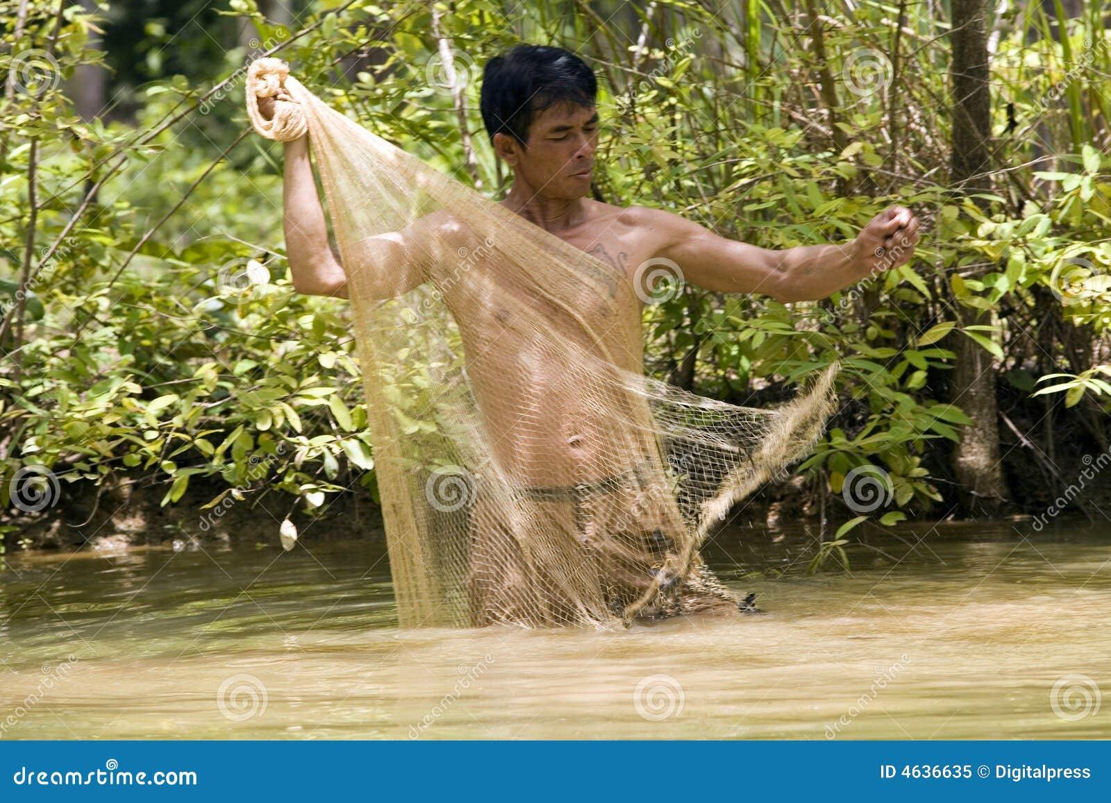 Pesca com uma rede do throw