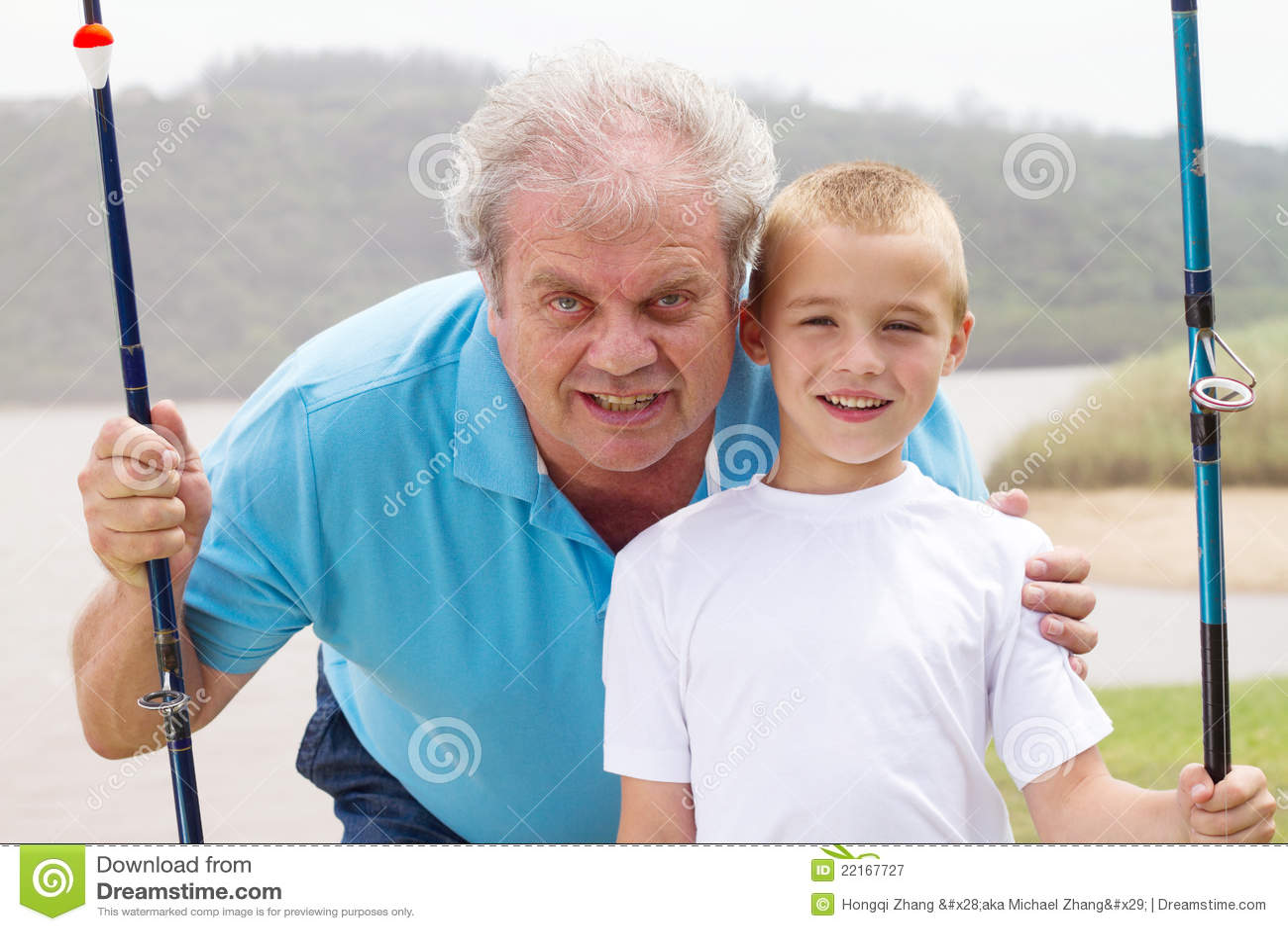 Pesca de abuelo del nieto