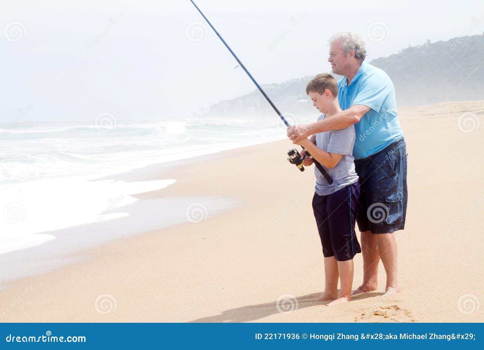 Pesca de enseñanza del nieto del abuelo
