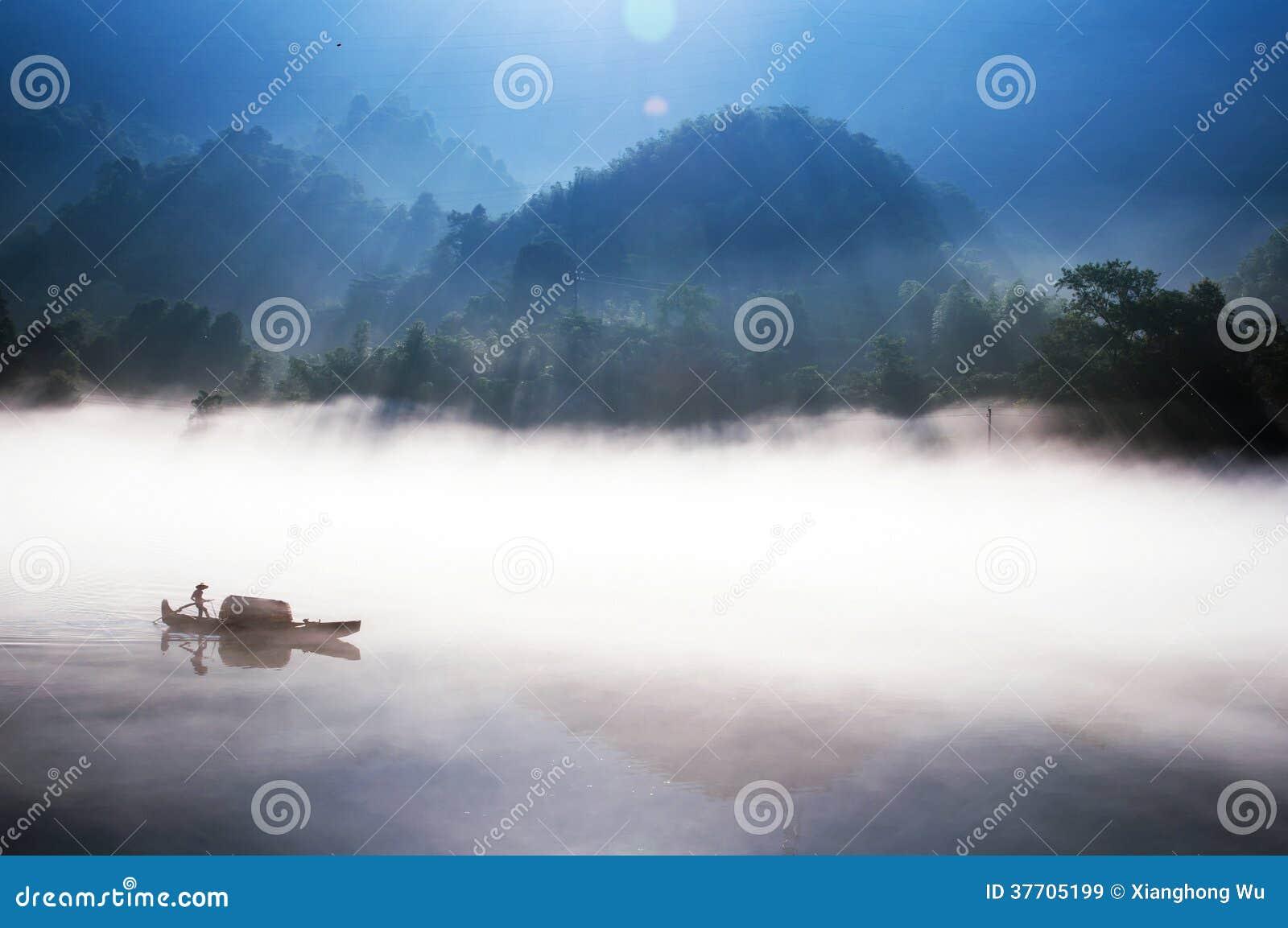 Pesca no lago Dongjiang