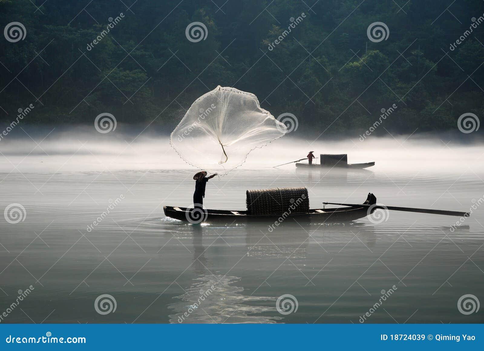 Pesca no rio da névoa