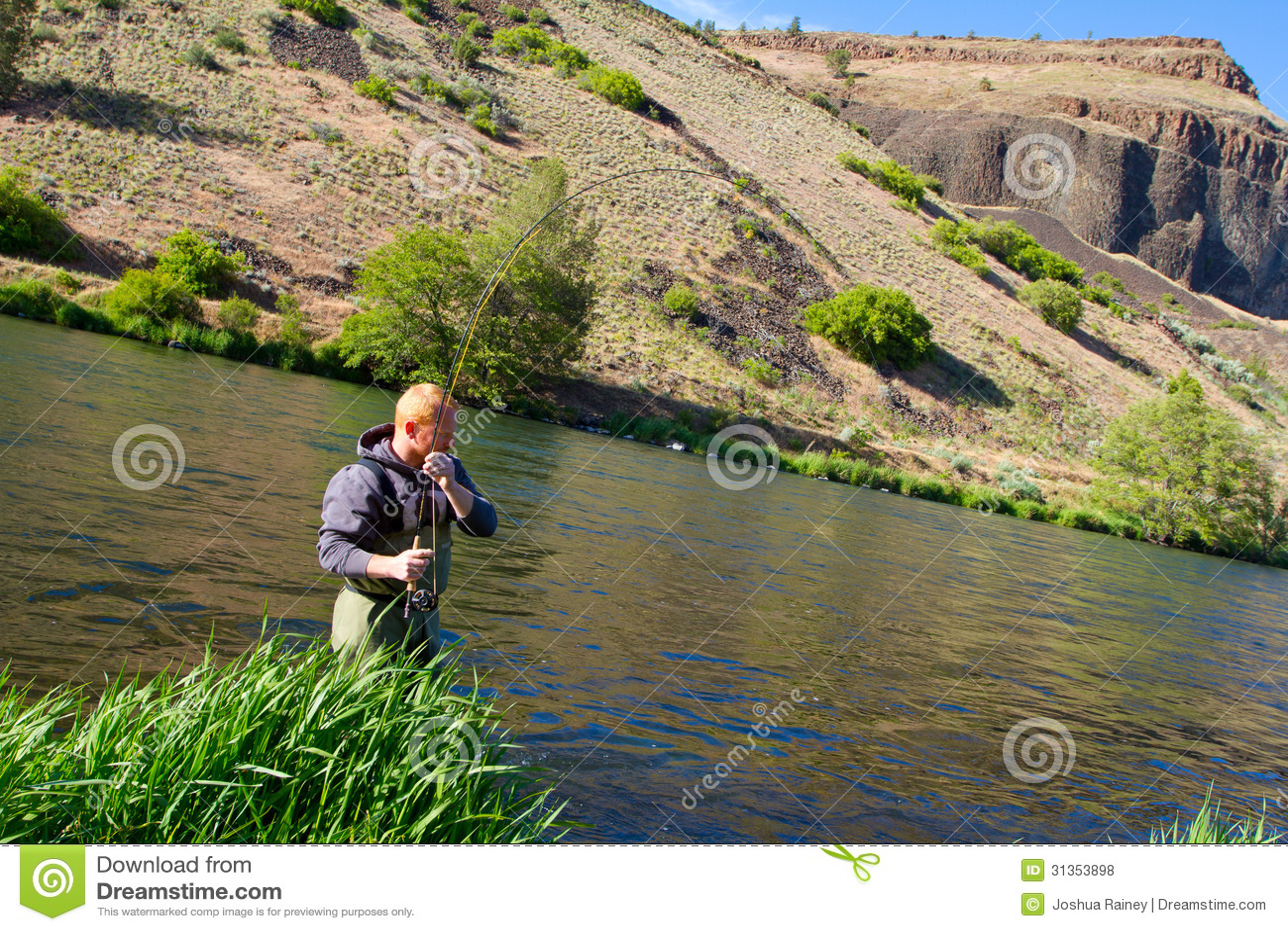 Pescador Deschutes River de la mosca