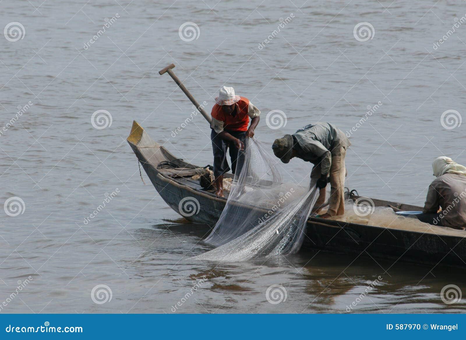 Pescadores no rio de Mekong