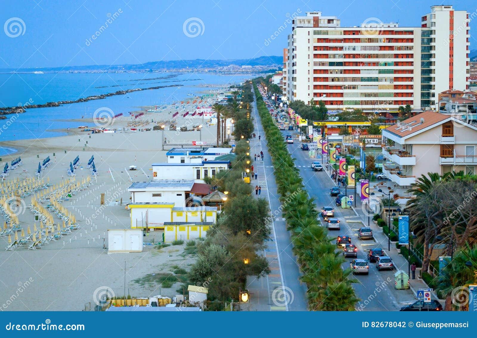 Pescara fotografia editoriale. Immagine di europa, adriatico - 82678042