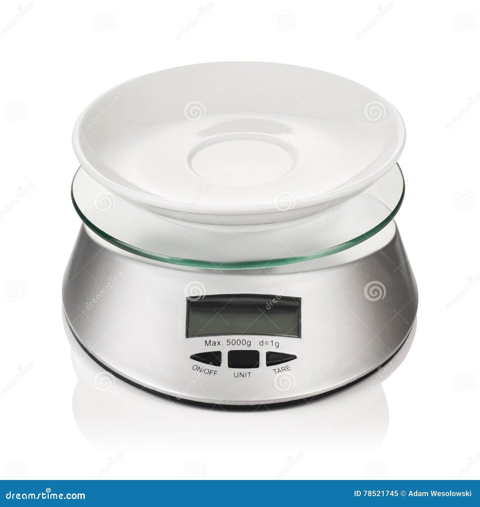 Peso o escala de la cocina aislada en el fondo blanco