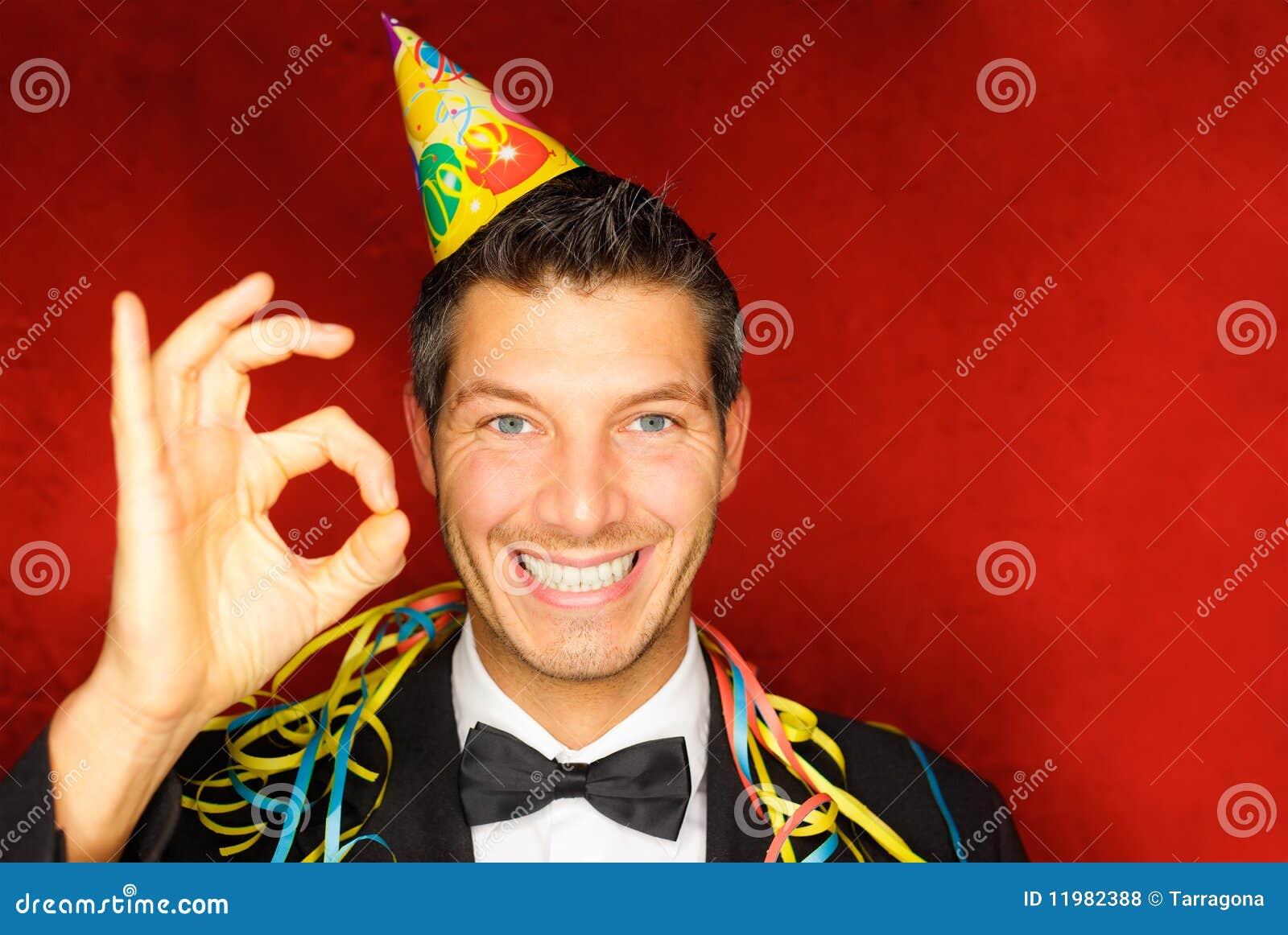 A pessoa do partido comemora o ano novo