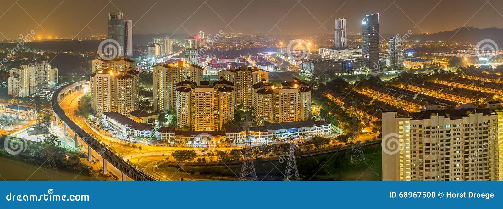 Petaling Jaya en Malaisie la nuit