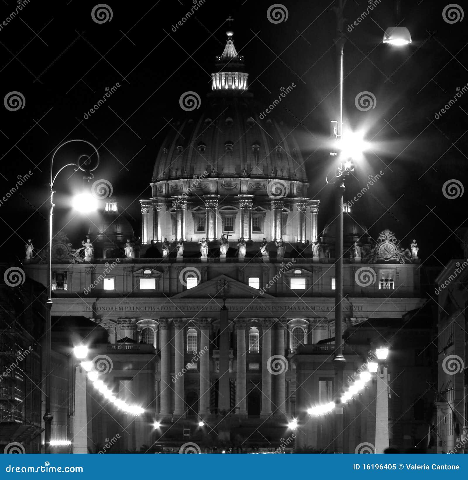 Peter för basilicastadsitaly natt st vatican