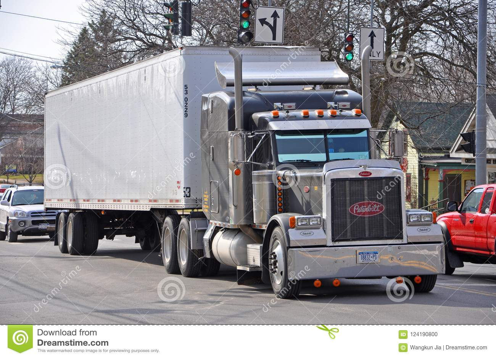 Peterbilt 379 Truck New York Usa Editorial Image Image Of Cover America 124190800