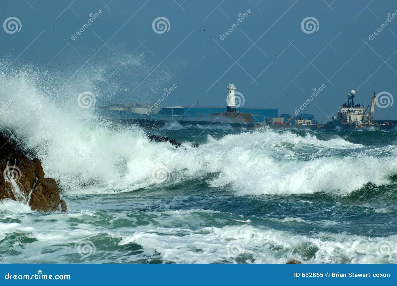 Download Peterhead гавани стоковое изображение. изображение насчитывающей увоза - 632865