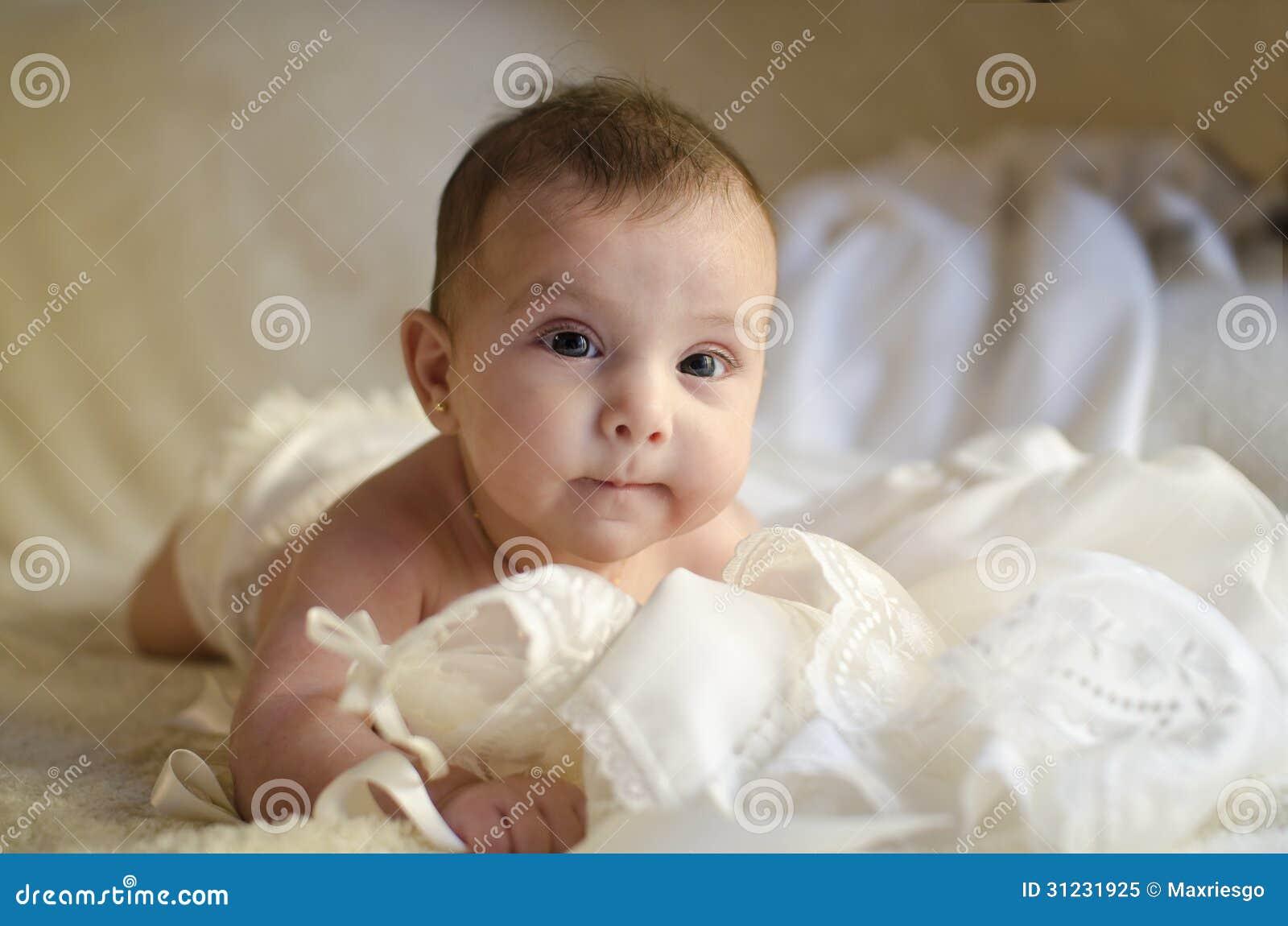 Petit bébé mignon