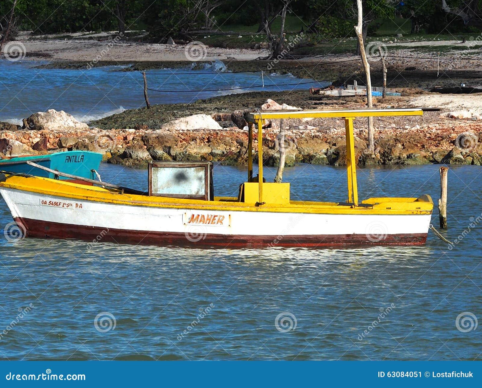 Download Petit Bateau De Pêche Au Cuba Photo éditorial - Image du port, cuba: 63084051