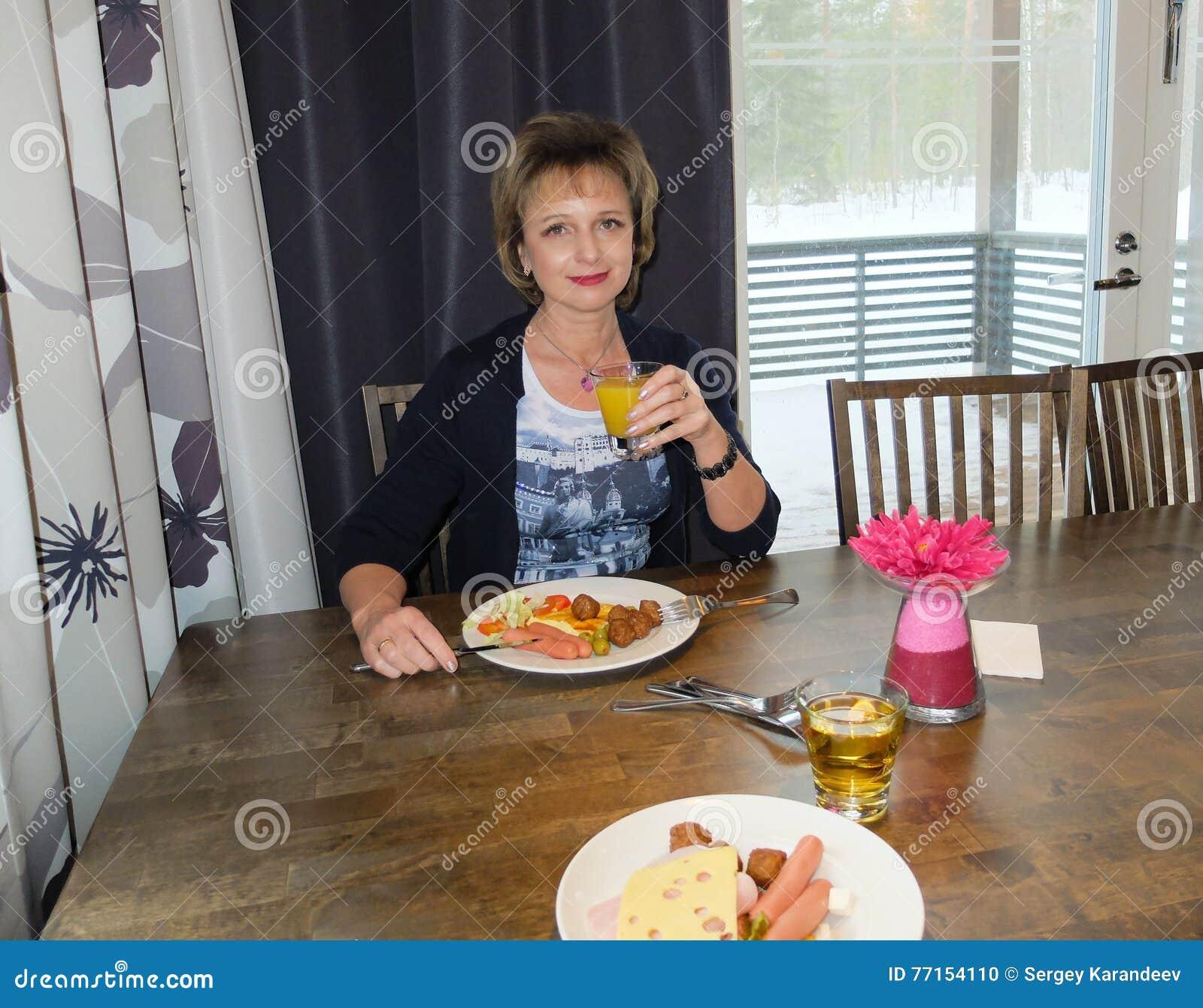 Petit déjeuner à l hôtel