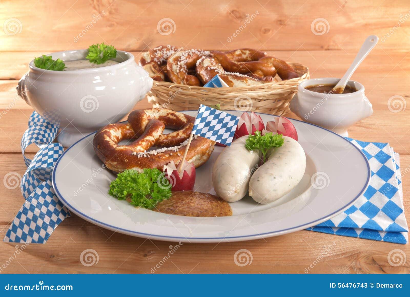 Petit déjeuner bavarois de saucisse de veau