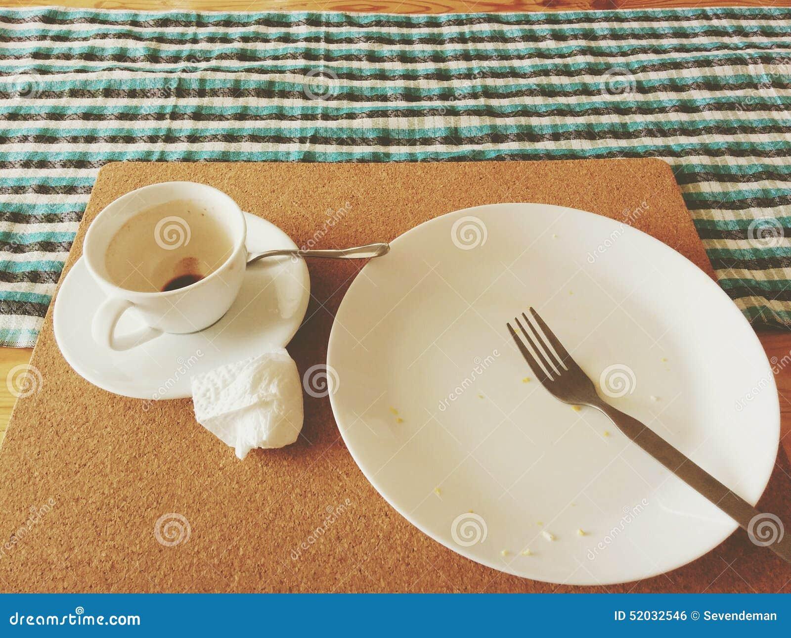 Petit déjeuner vide photo stock. Image du breakfast, cuvette - 52032546