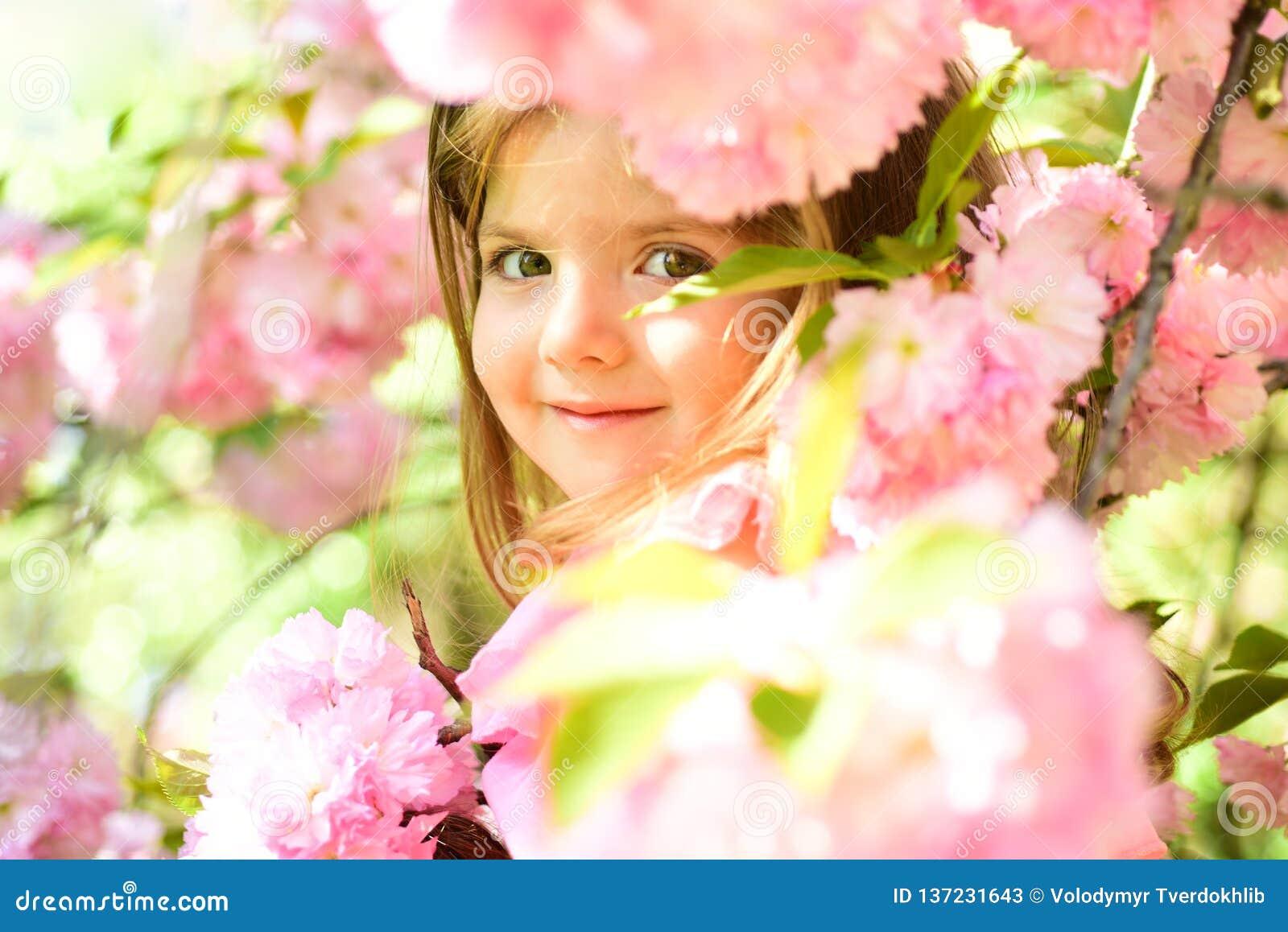 Petit enfant Beauté normale Le jour des enfants printemps mode de fille d été de prévisions météorologiques Enfance heureux peu