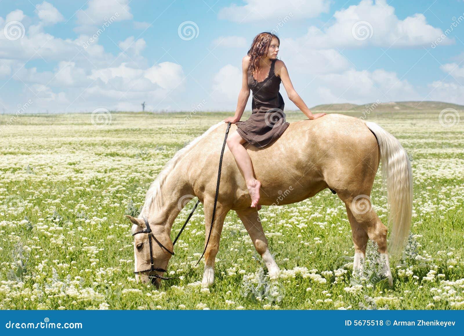 sexe plage com cheval sexuel