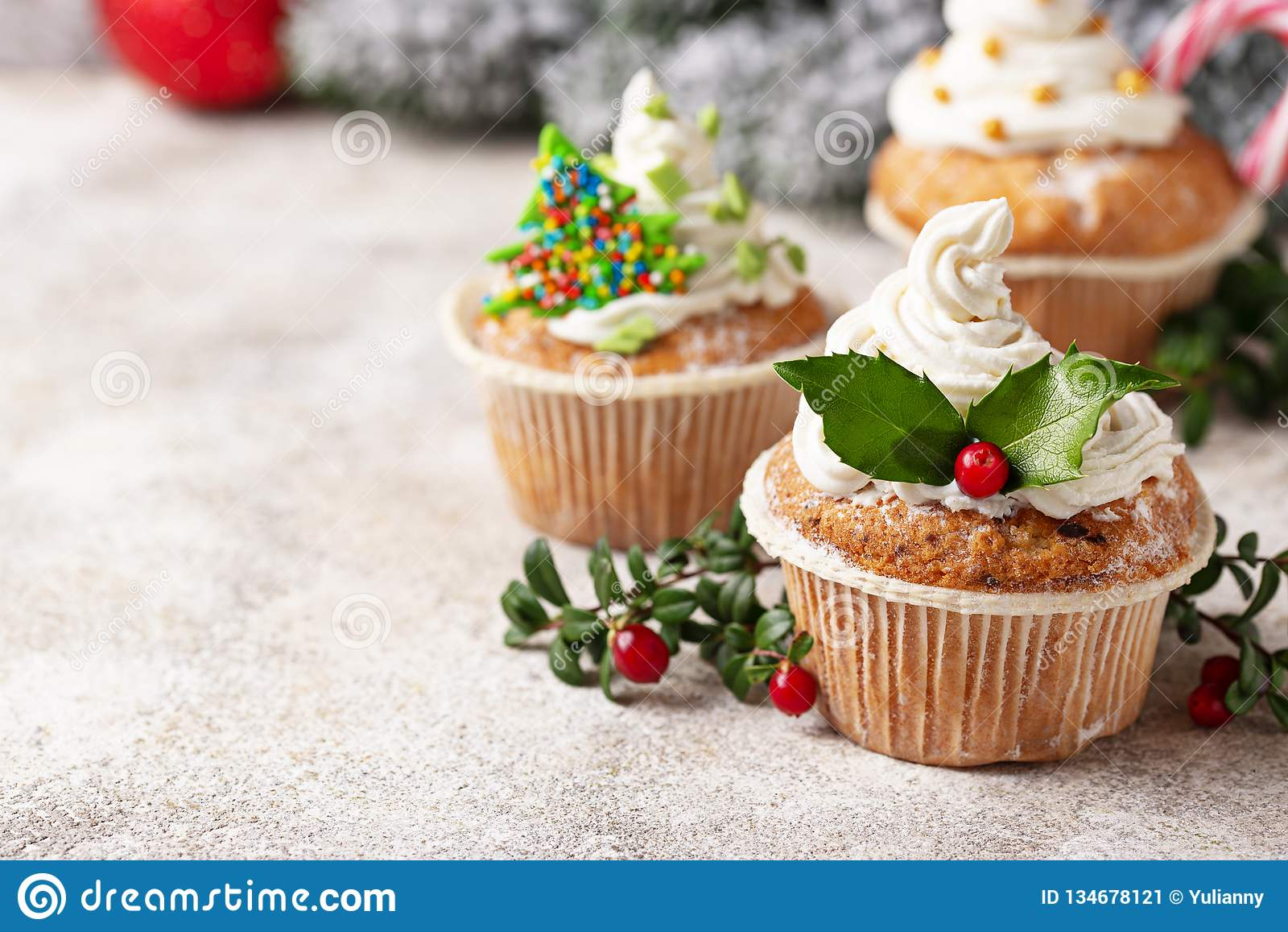 Gateau De Fete De Noel.Petit Gâteau De Fête De Noël Avec Différentes Décorations