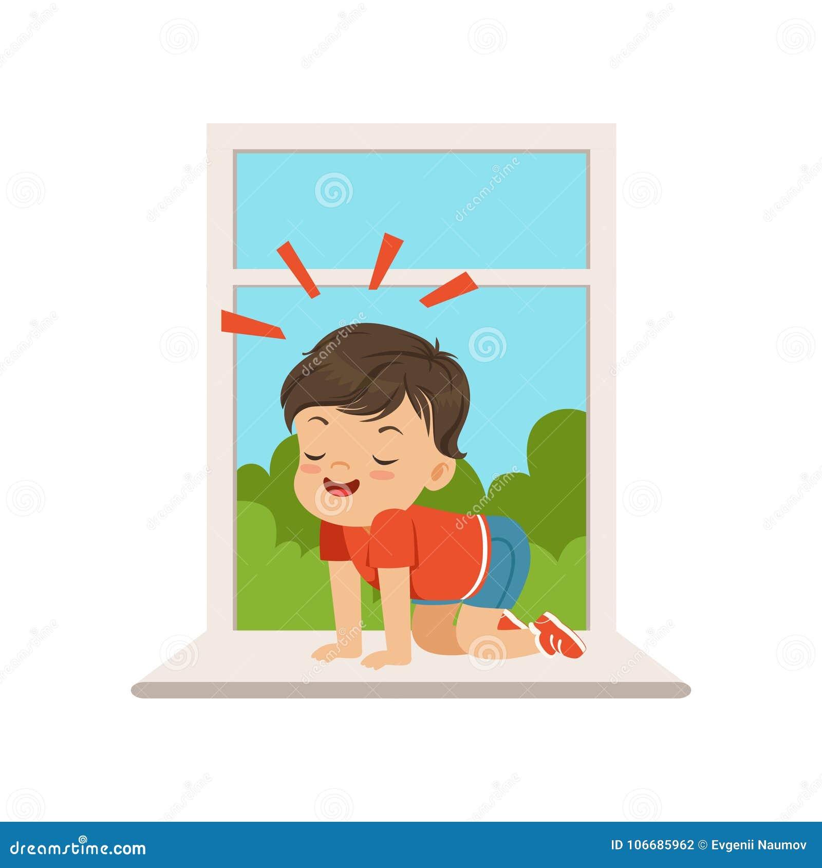 Petit garçon mignon de despote s asseyant sur le rebord de fenêtre à la fenêtre ouverte, enfant gai de truand petit, mauvais comp