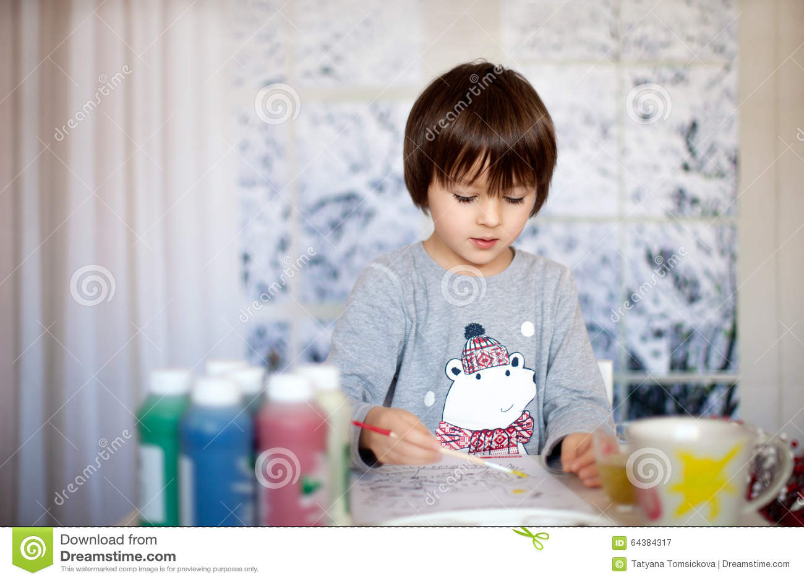 Petit Garcon Prescolaire Mignon Photo De Dessin A La Maison Image