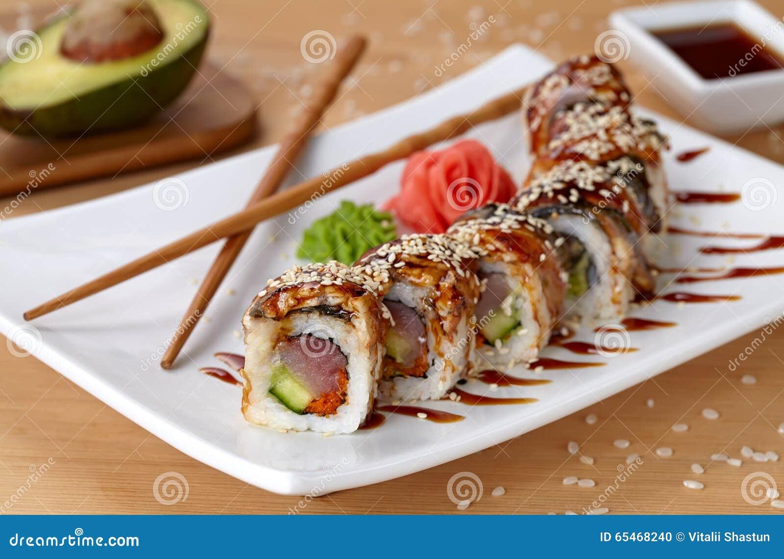 Restaurant Japonais Avec Bar A Sushi