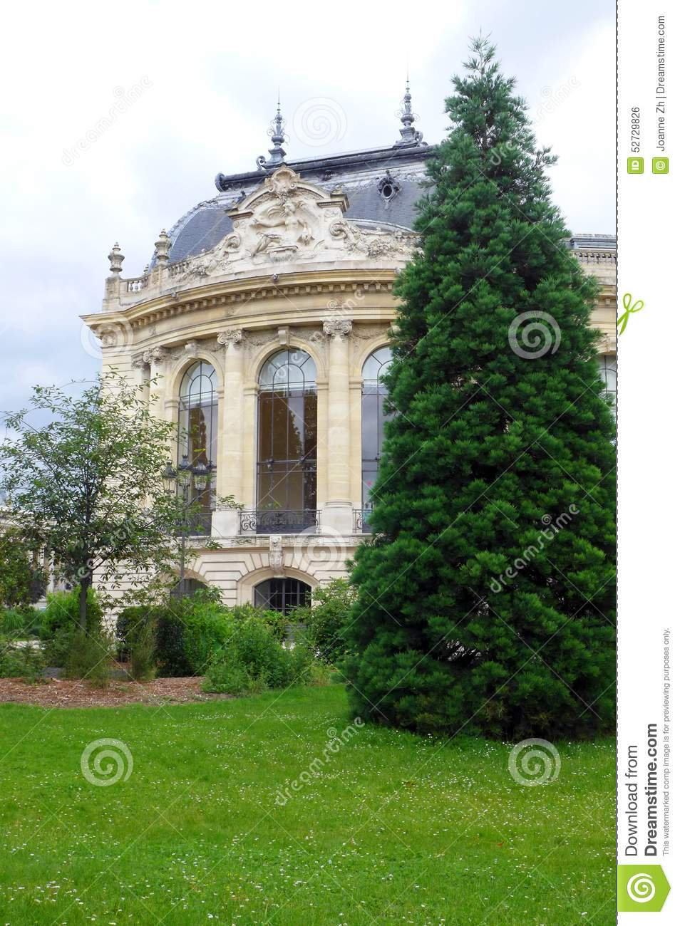 petit palais paris exterior towards river seine stock. Black Bedroom Furniture Sets. Home Design Ideas