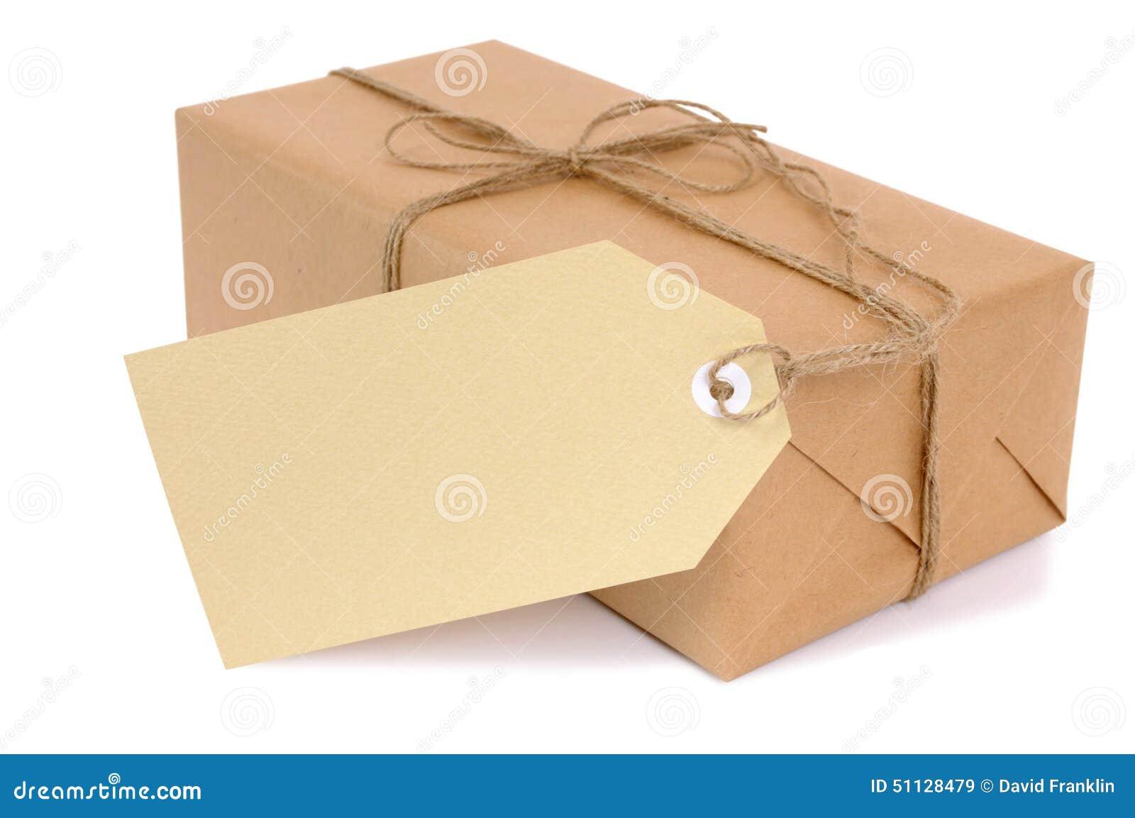 Petit paquet de papier brun avec le label