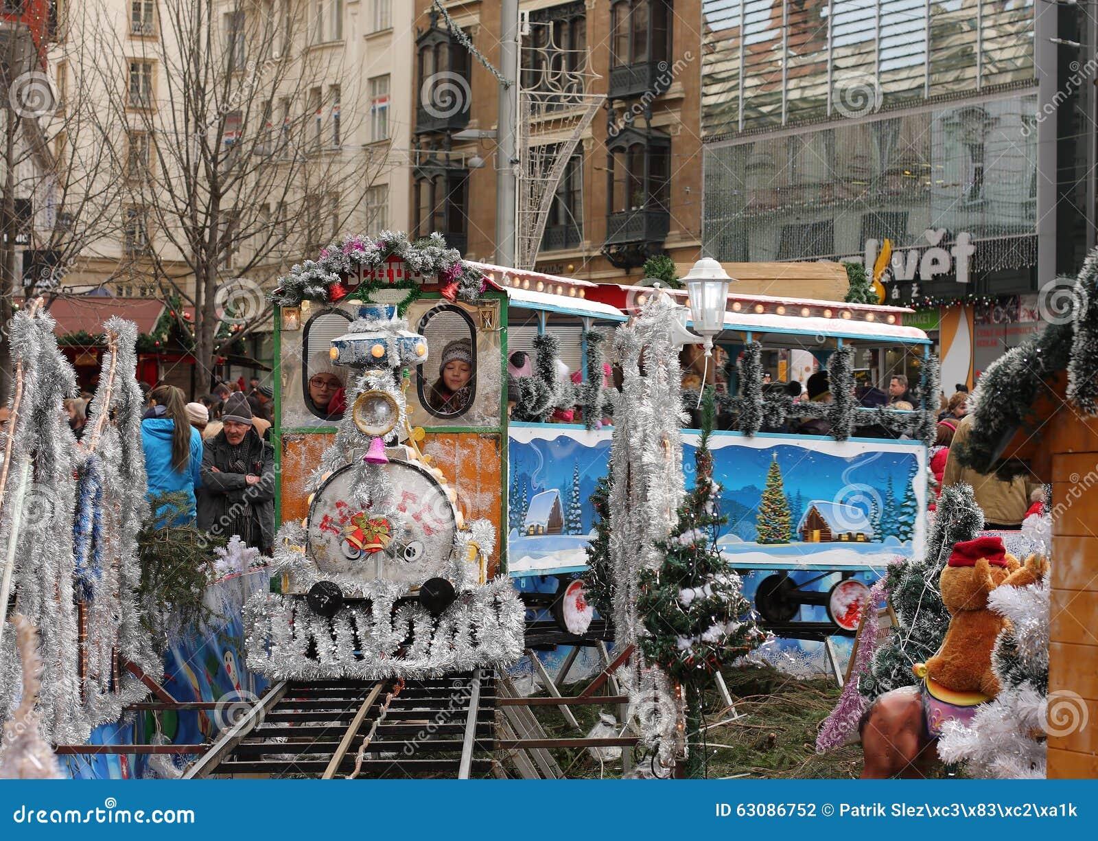 Download Petit Train - Amusement Pour Des Enfants Au Marché De Noël Photographie éditorial - Image du marché, europe: 63086752