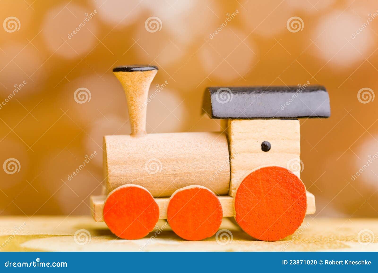 petit train en bois de jouet photo stock image 23871020. Black Bedroom Furniture Sets. Home Design Ideas