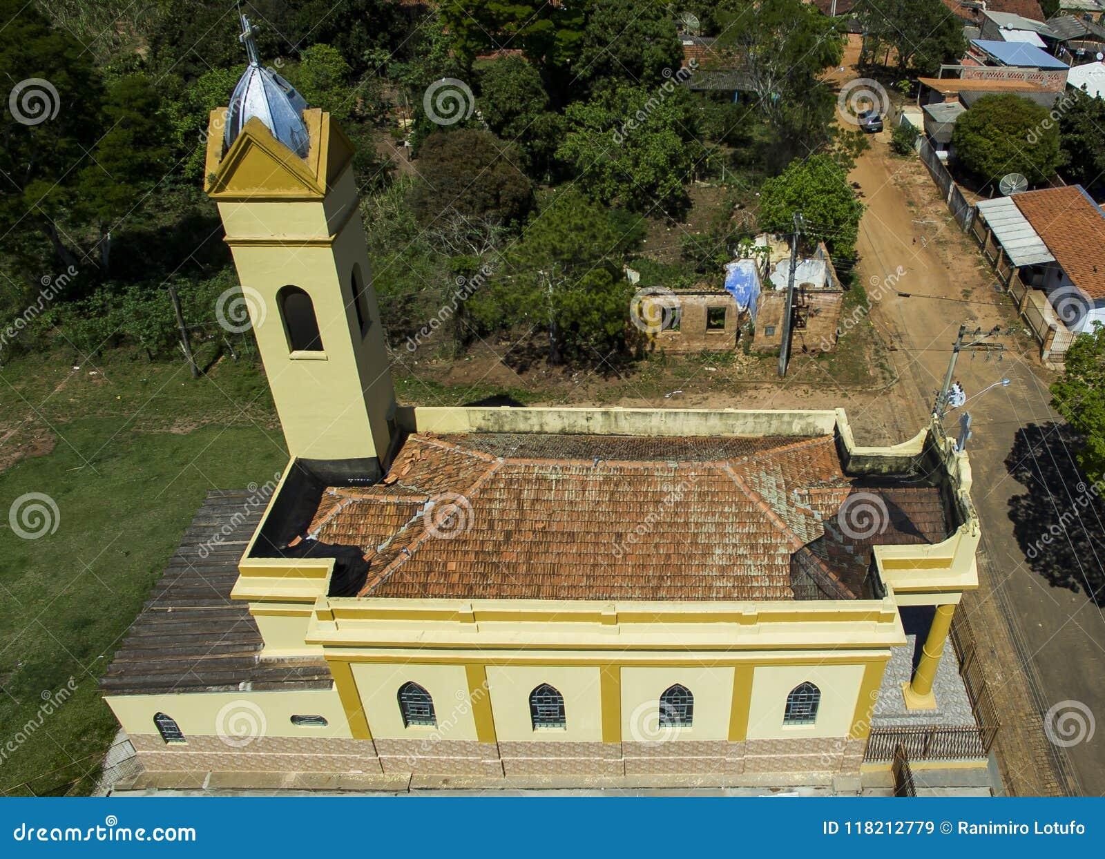 Petite église catholique victorienne, secteur municipal de Botucatu