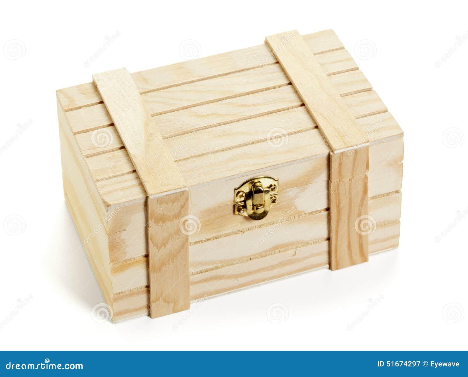 petite caisse en bois d 39 isolement photo stock image. Black Bedroom Furniture Sets. Home Design Ideas