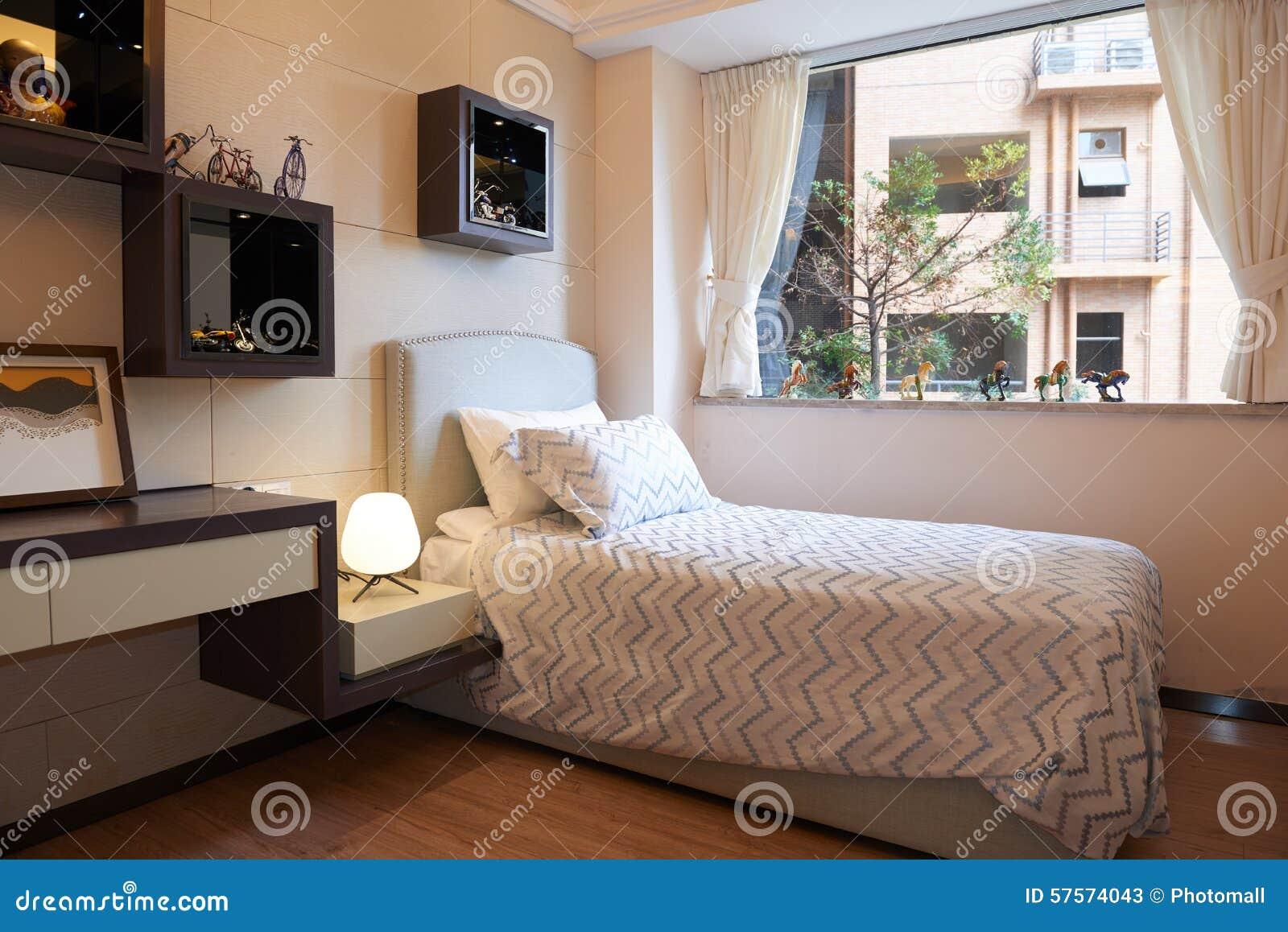 petite chambre coucher moderne photos stock - Chambre A Couche Petite