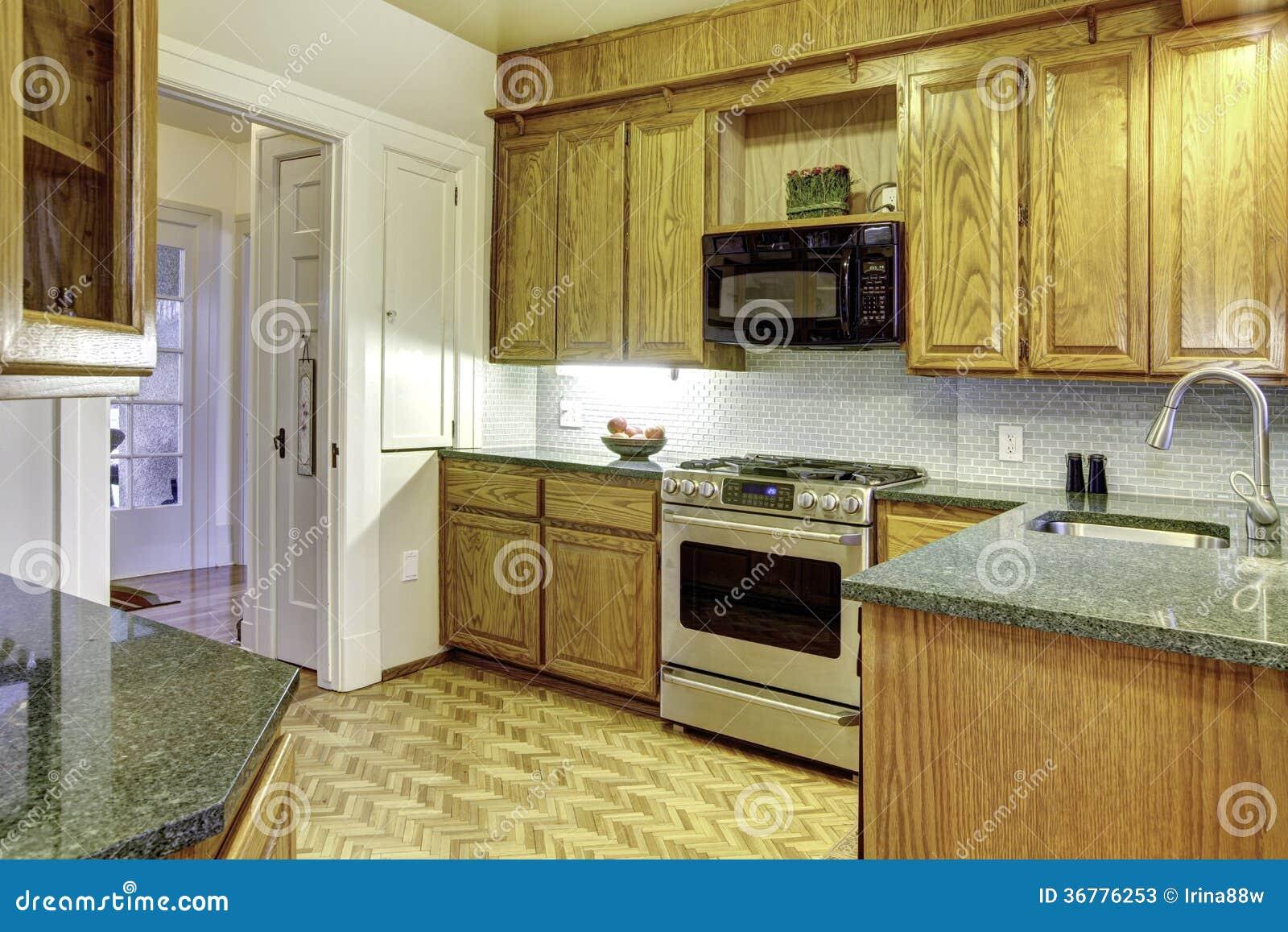 Petite cuisine confortable photos stock   image: 36776253