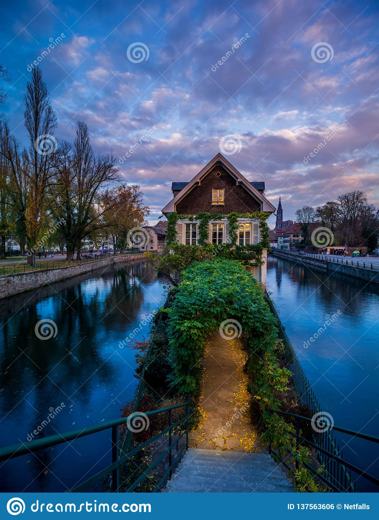 Petite France teren w Strasburg