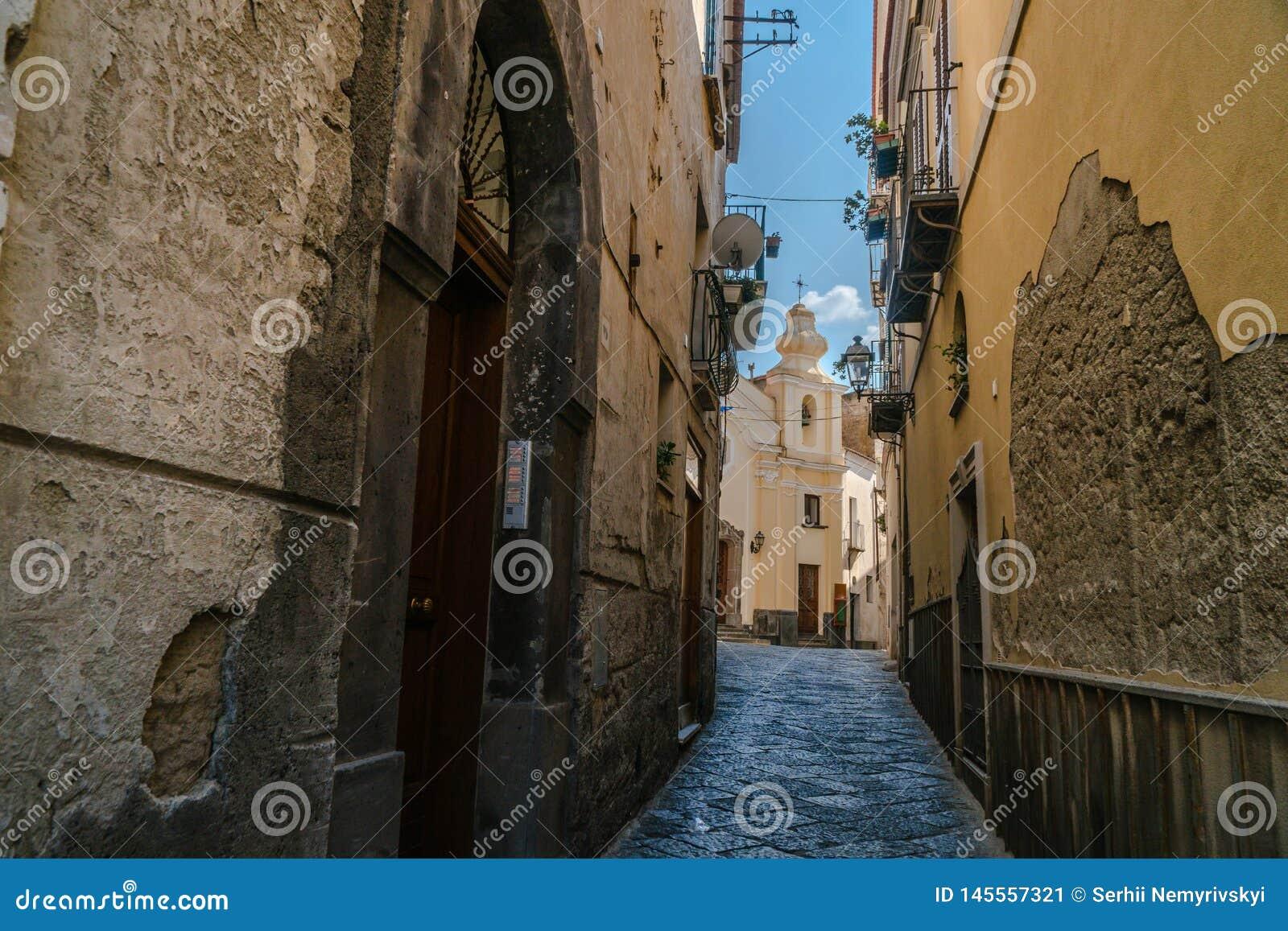 Petite rue de l Italie, voyage, vieille religion osseuse d église, Italie, Sorrente