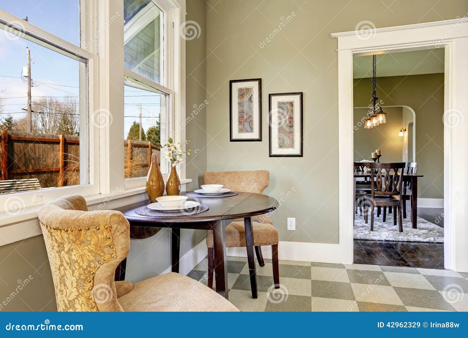 petite salle manger dans la chambre de cuisine image stock image 42962329. Black Bedroom Furniture Sets. Home Design Ideas