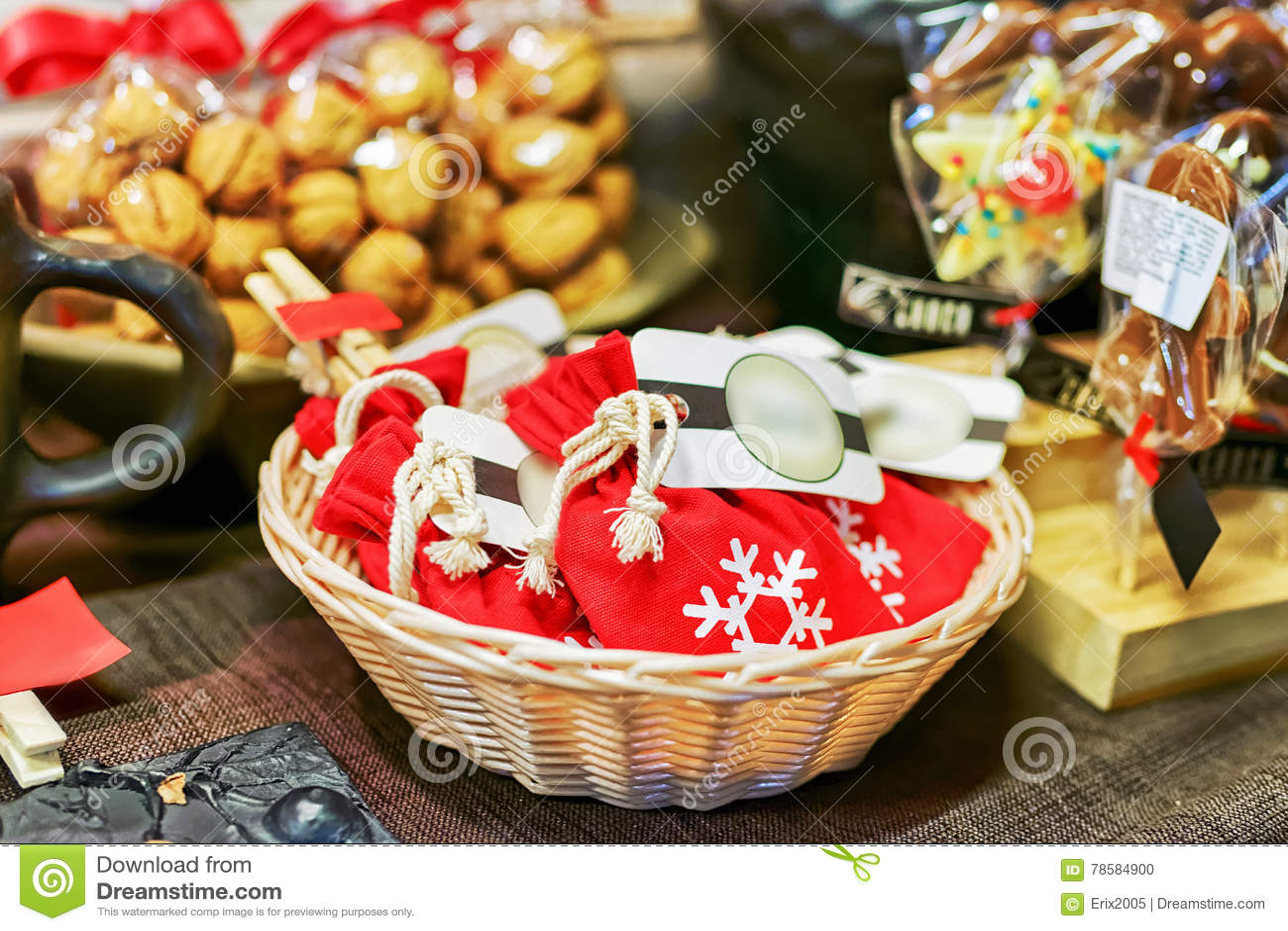 Petits Sacs Avec Du Chocolat Fait Maison Au Marche De Noel De Riga Photo Stock Image Du Marche Riga 78584900