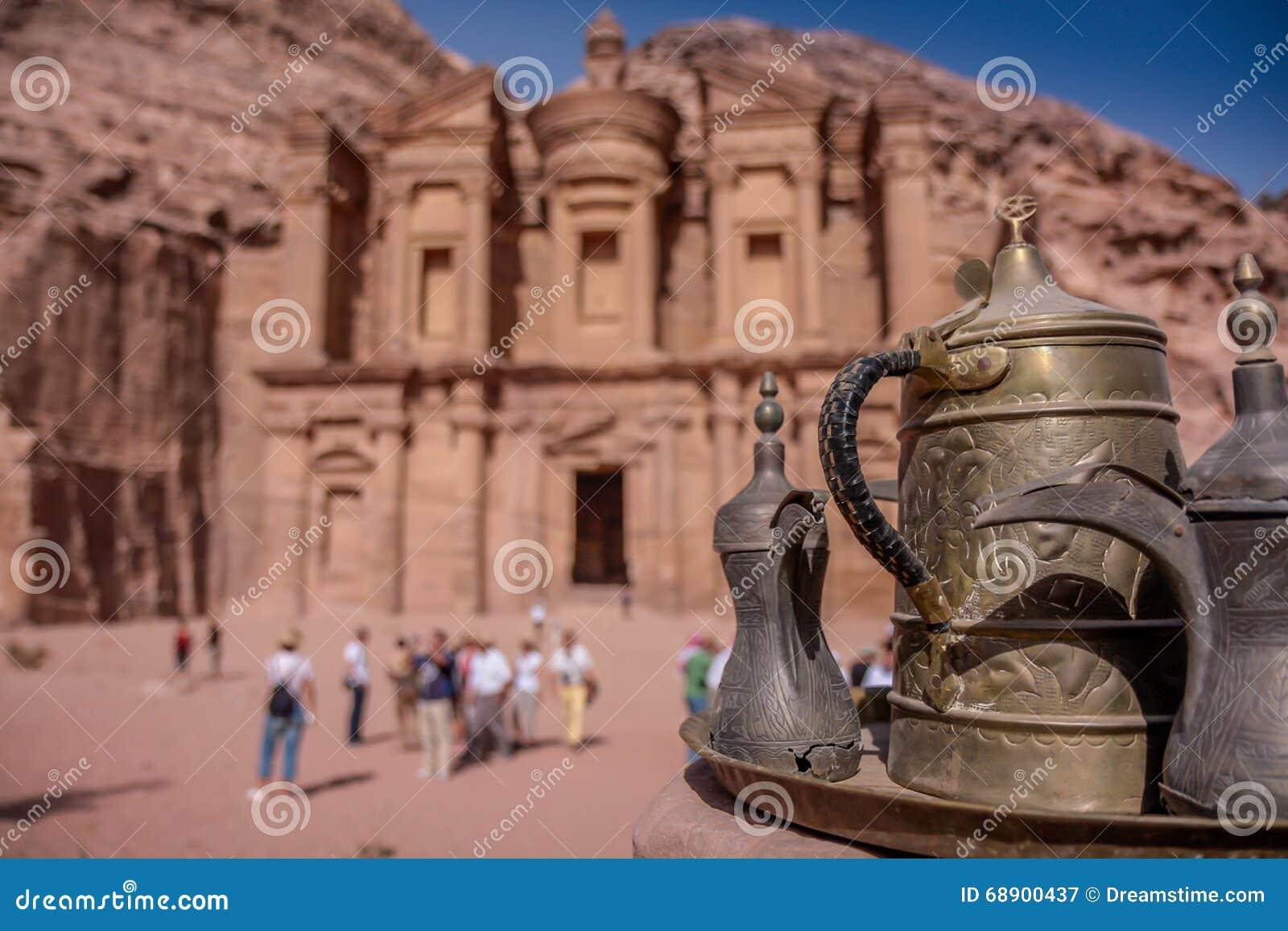 Petra Jordan ha scolpito il tempio