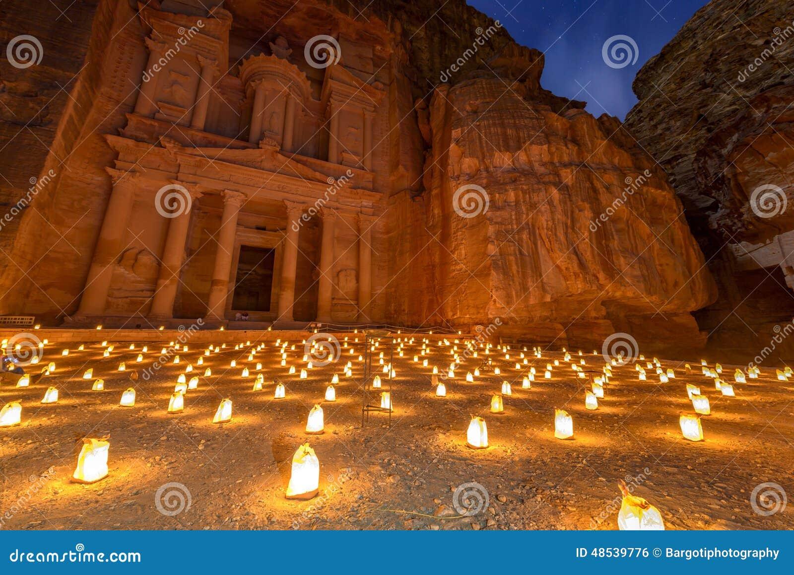 PETRA par nuit en Jordanie
